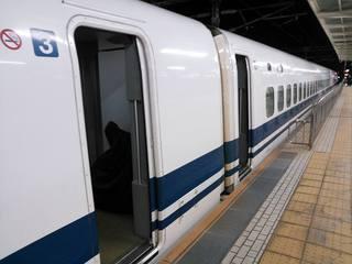 150530l_shinkansen.jpg